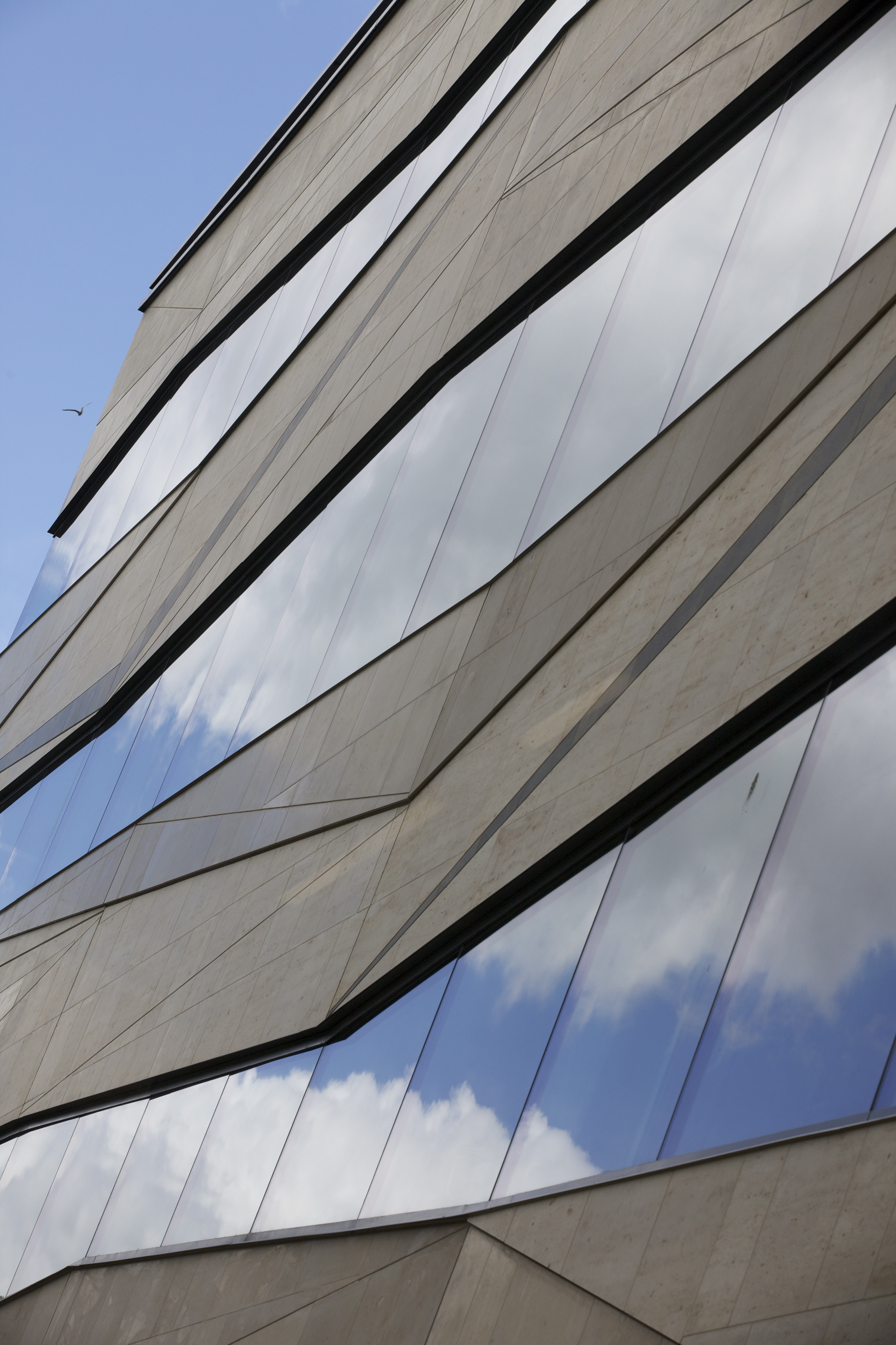Exterior view of the new Earth Sciences building in Oxford